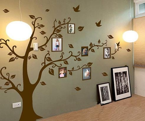 Picture tree in bedroom on green wall