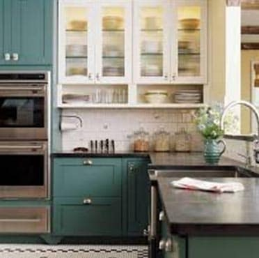 Tips for choosing your kitchen cabinet paint