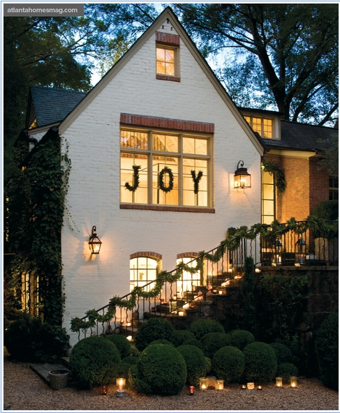 Window decor ideas for the holidays with letters