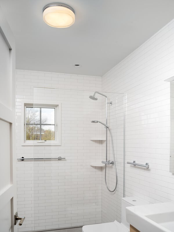 4 Effective Bathroom Light Ideas For Small Spaces