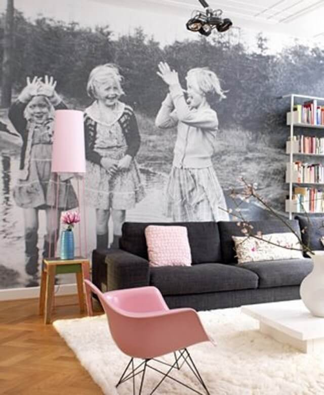 Vintage ideas for displaying photos on wall