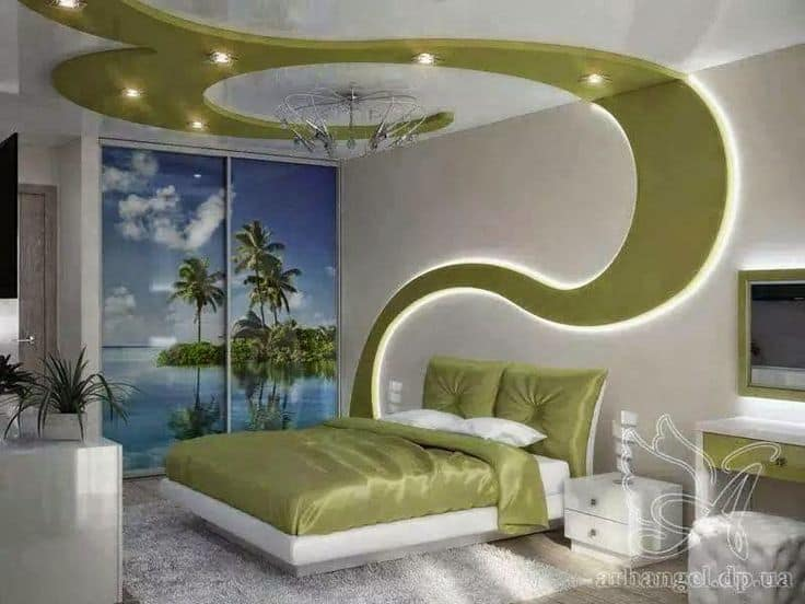 Green ceiling pattern that matches bed in light colored room