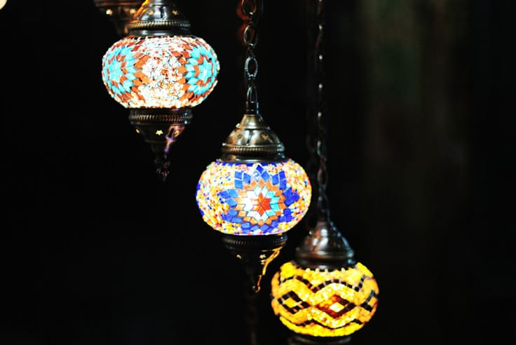 How to Install and Organize Your Outdoor Hanging Lanterns